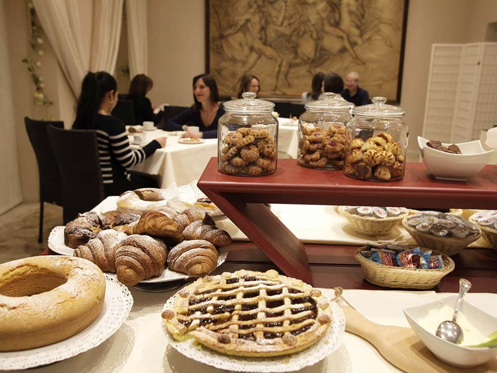 Superb breakfast hotel crystal pietrasanta